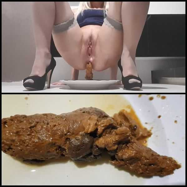 Poop Pee 4 Dinner with panthergodess  - scat porn, amateurs scat,  Full HD 1080p | Release Year: December 7, 2017