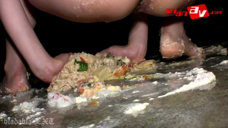 Porn online UNKW-015 | Kana Mimura going crazy food crushing, shitting, pissing and smearing it all over her sexy body. javfetish
